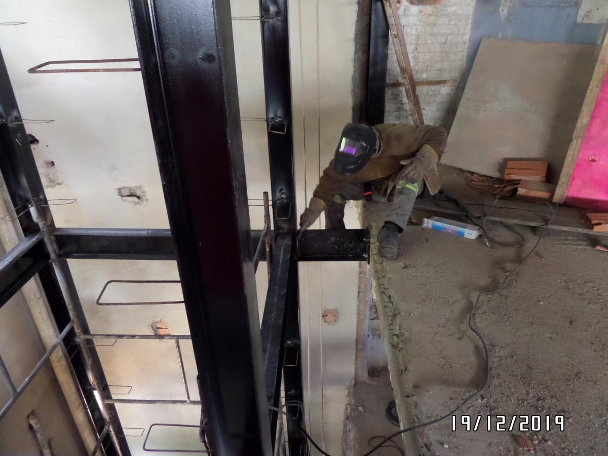 Execução de poço de elevador