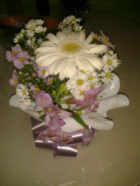 Arranjo floral com uma gerbera