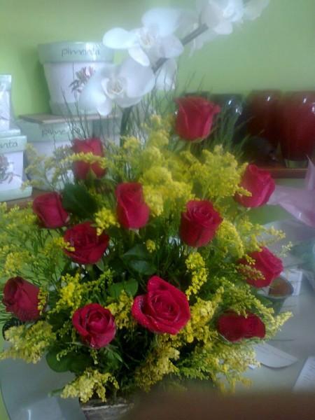 Arranjo floral rosas vermelhas