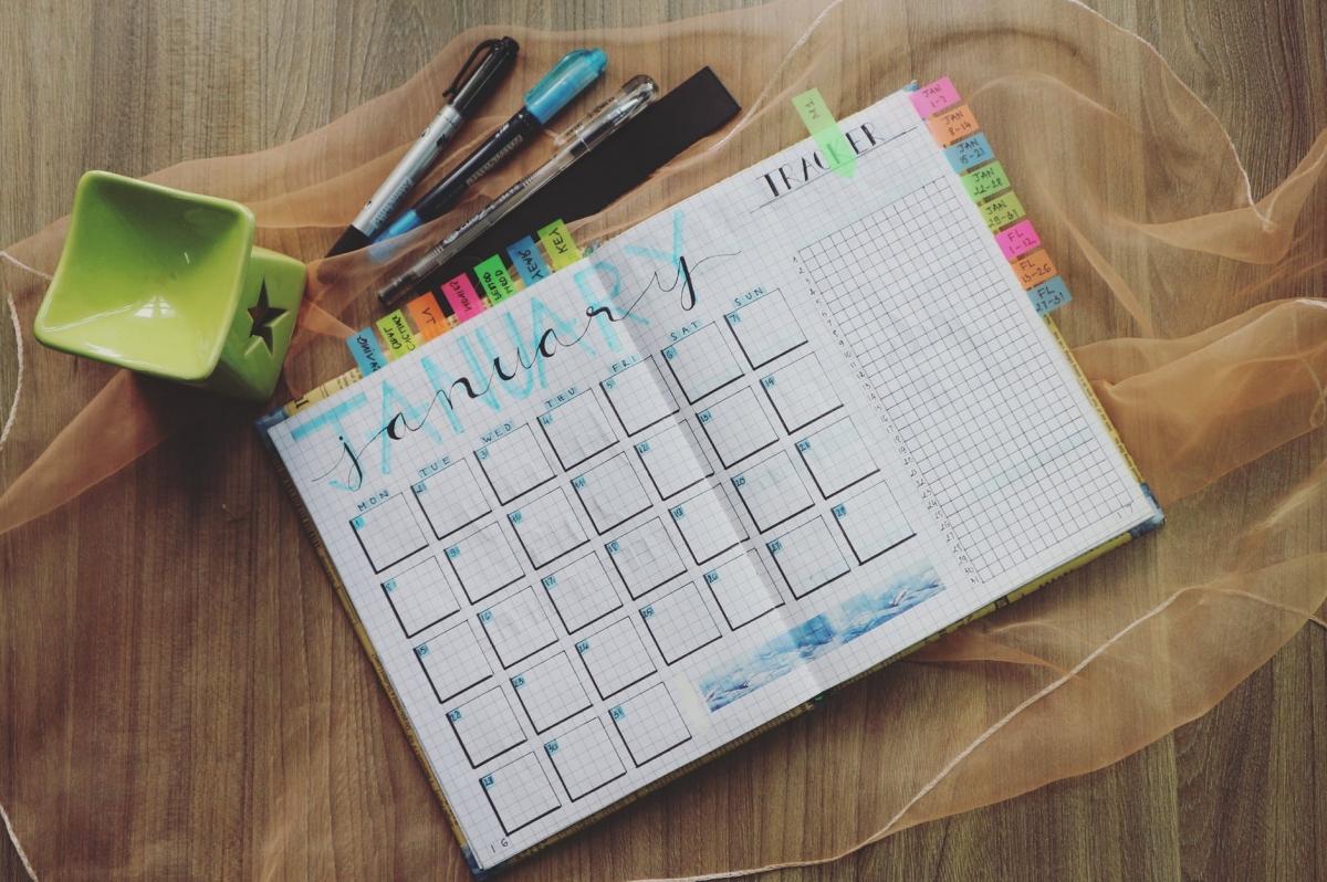 Saiba como criar um cronograma de estudos eficiente para EAD