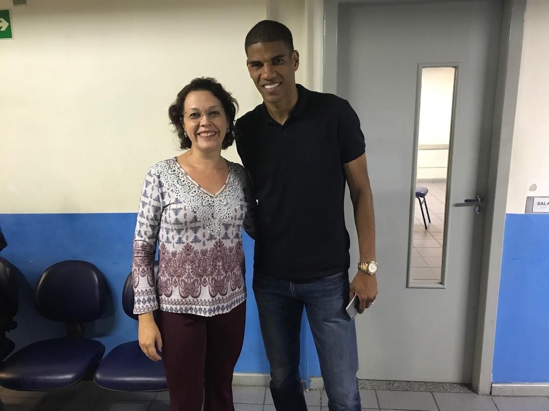 Estácio tem celebridades: Leonardo Silva