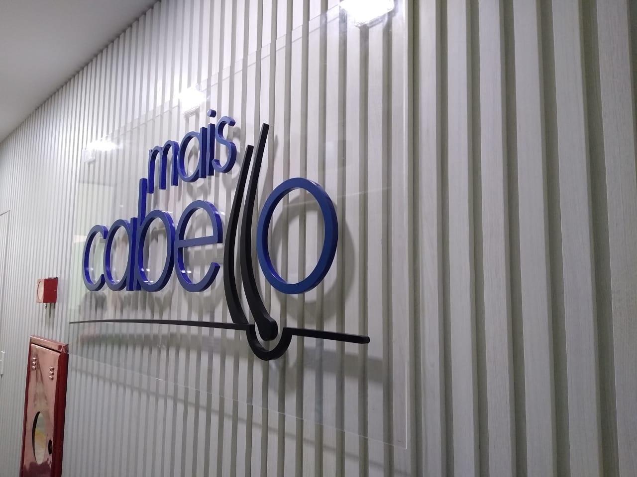 Letreiro PVC Aplicado em Placa de Acrílico Cristal - Foto 3