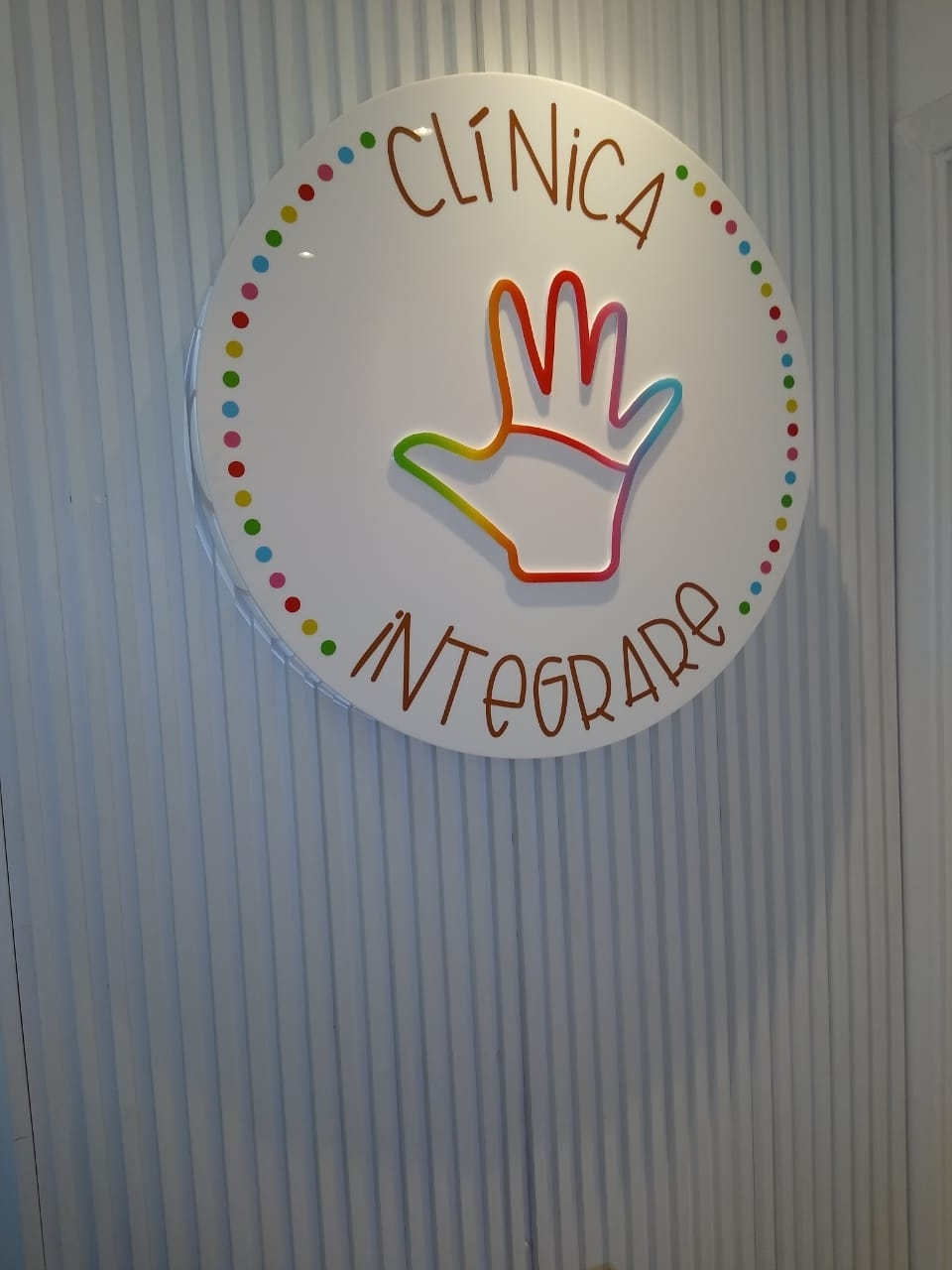 Placa Circular Acrílico Com Texto em Vinil Digital - Foto 3