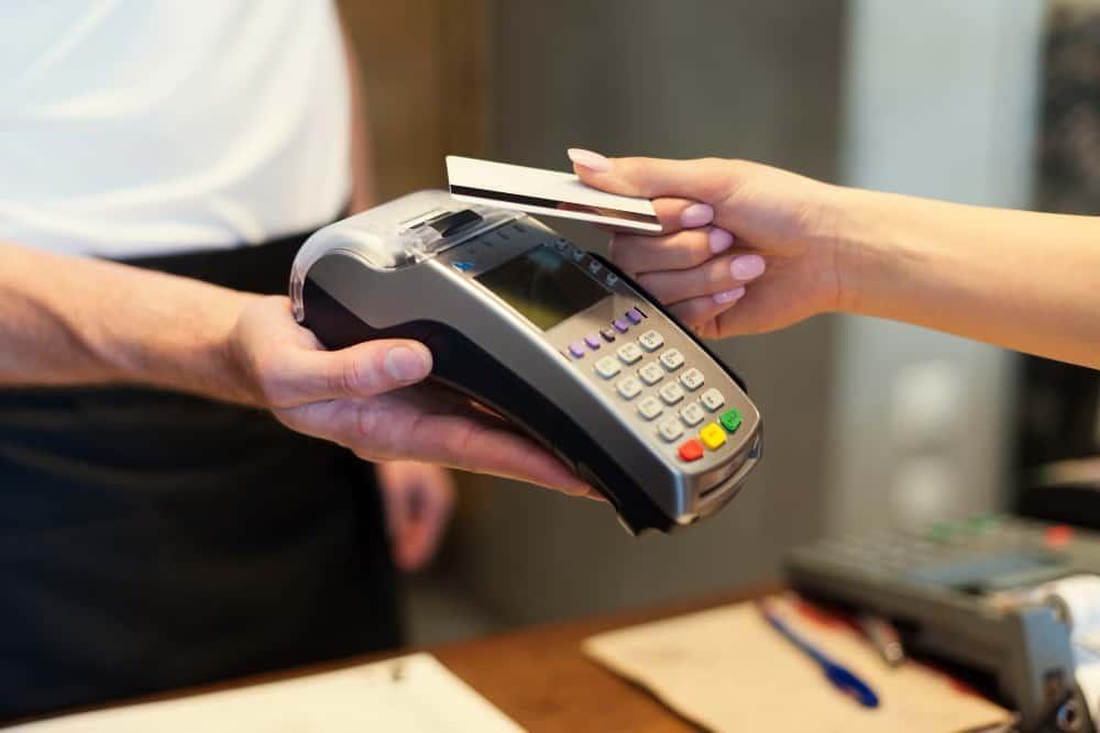 Cartão pré-pago: solução para negativados