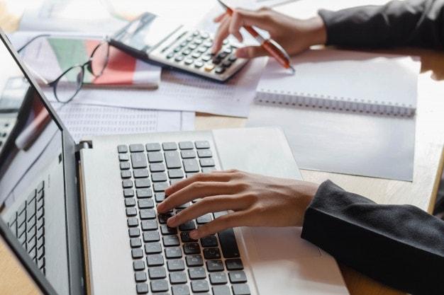 Como organizar as contas da empresa utilizando um ERP