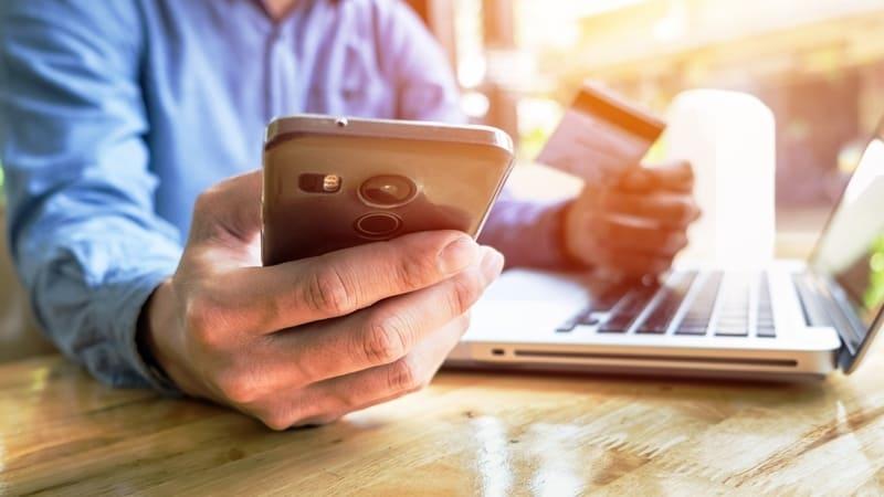 Como receber pagamento de cartão de crédito por celular?