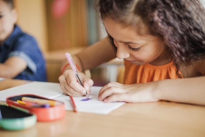 Pix recebimento recorrente: redução de inadimplência em escolas