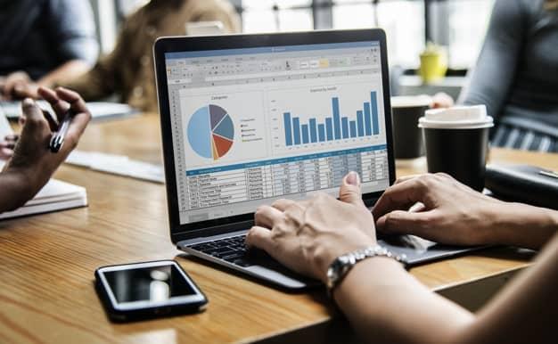Sistema de gestão empresarial para cobranças recorrentes
