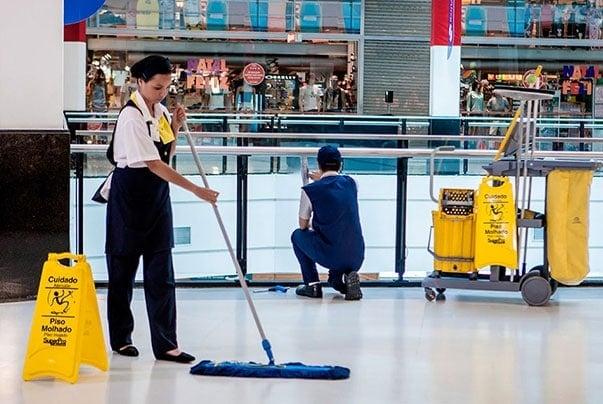 Limpeza em Shopping