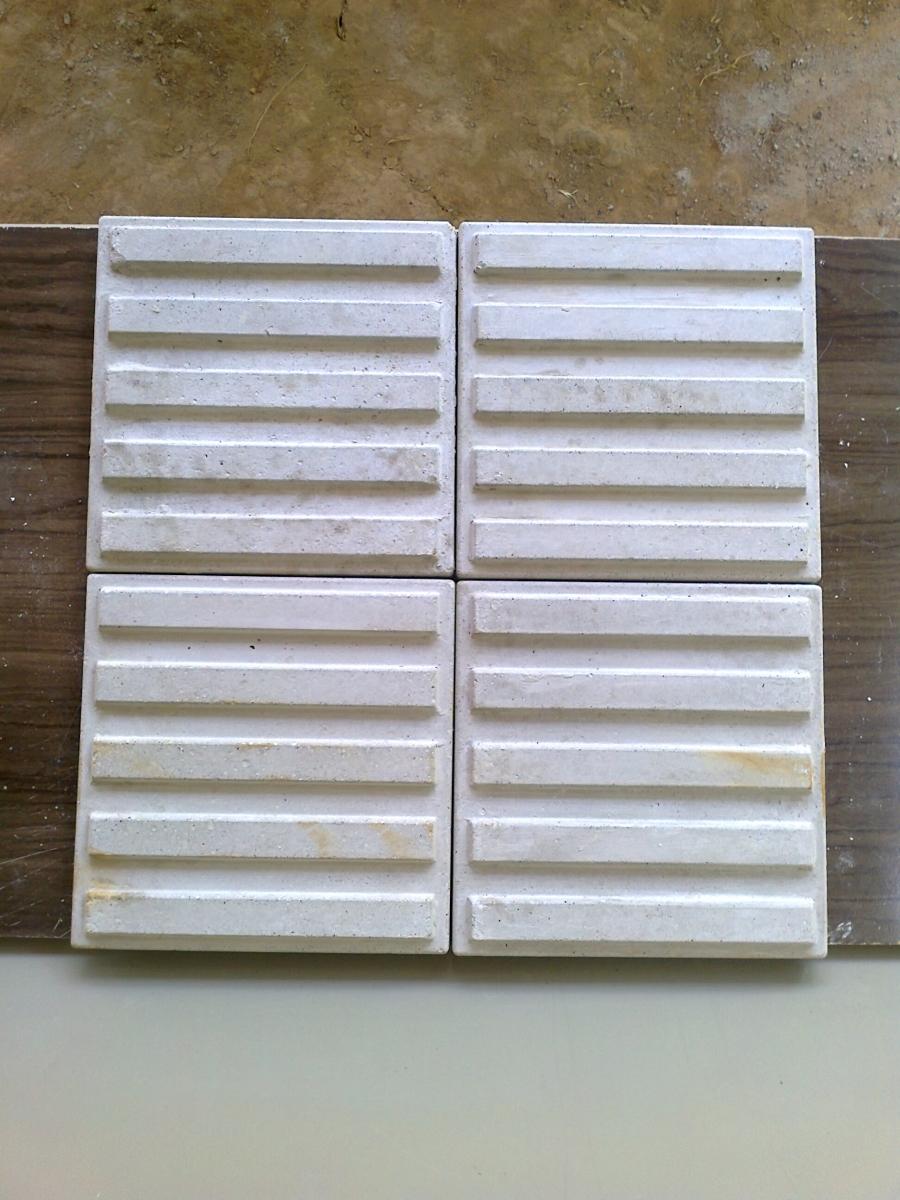 Forma Plástica Antiderrapante 05 Frisos - Foto 2