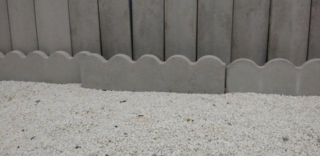 Forma Plástica para Guia de Jardim - Foto 4