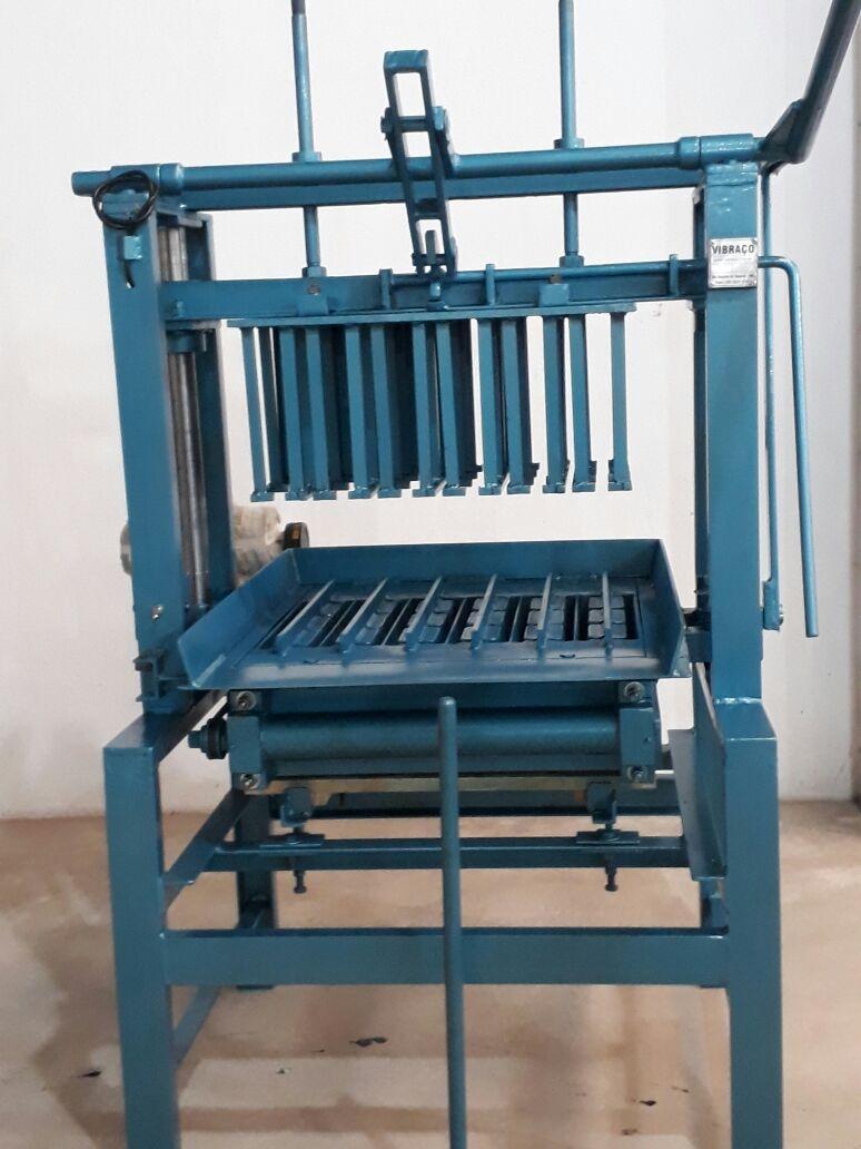 Máquina para Fabricação de Blocos V3000 - Foto 2