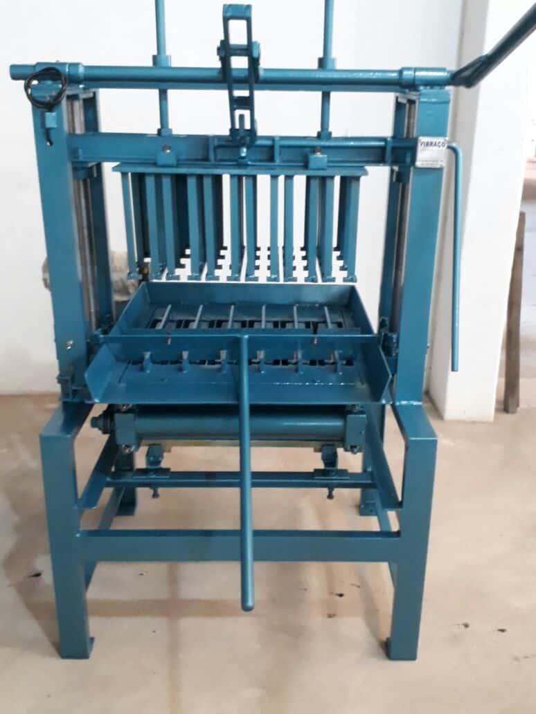 Máquina para Fabricação de Blocos V3000 - Foto 6