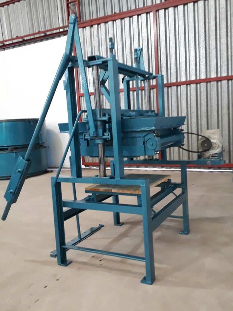 Máquina para Fabricação de Blocos V3000 - Foto 7