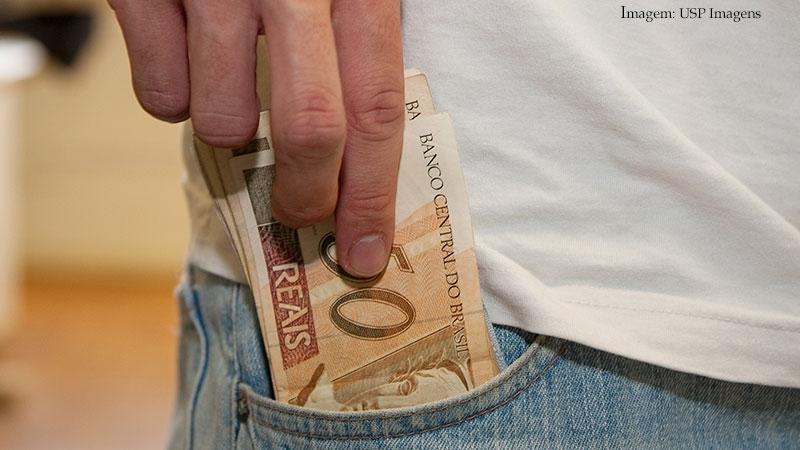 Imagem da notícia Boletos vencidos acima de R$ 800 já podem ser pagos em qualquer banco