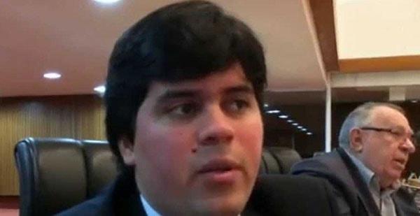 Imagem da notícia Com Maia substituindo Temer, Câmara será presidida por André Fufuca