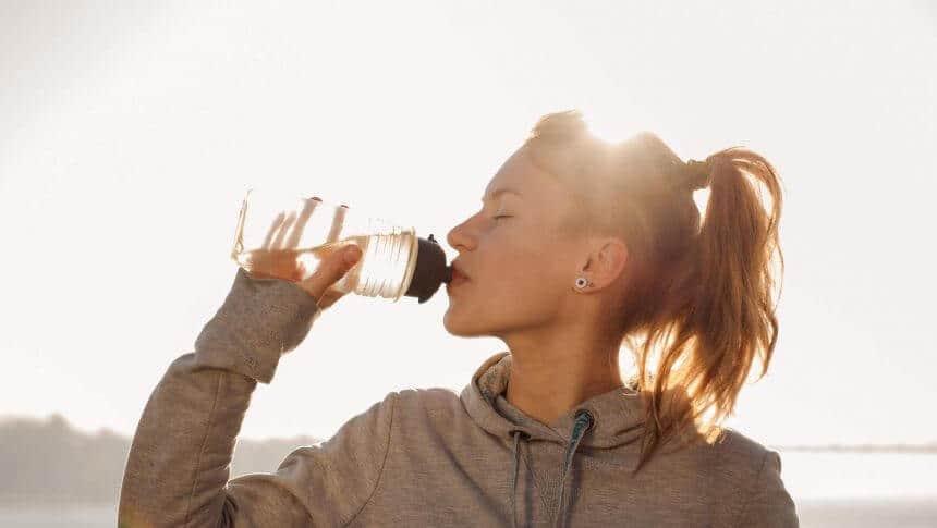 Imagem da notícia Hidrate-se: Os benefícios de beber água