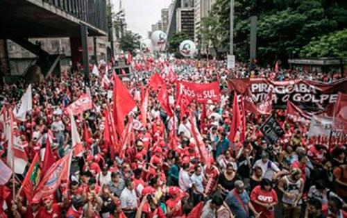 Imagem da notícia Movimentos sociais definem calendário de mobilização contra reformas de Temer