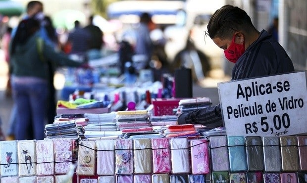 Imagem da notícia Pandemia: contratos de trabalho suspensos devem ser retomados de forma integral