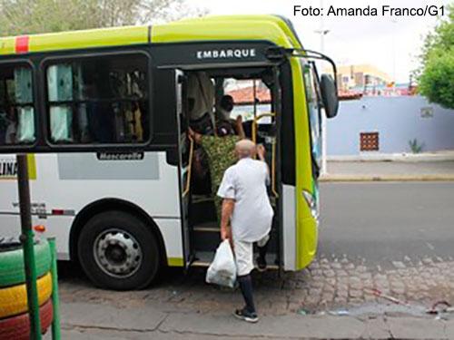Imagem da notícia Passagem de ônibus sofre reajuste e vai para R$3,50 em Petrolina