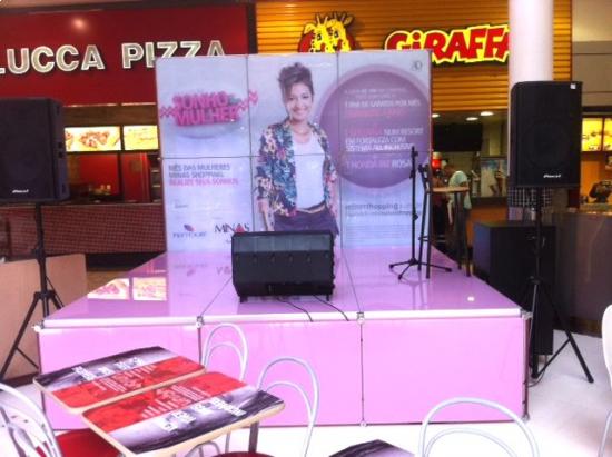 Tablado palco dia da Mulher Minas Shopping