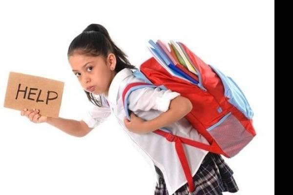 Conheça os problemas que uma mochila pesada pode causar.