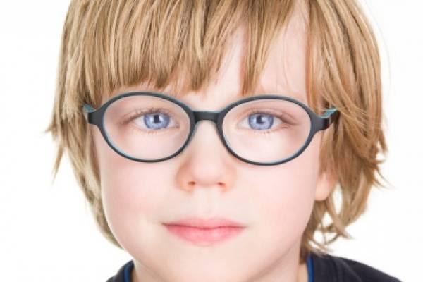 Consulta ao oftalmologista pode ajudar a garantir um bom ano escolar.