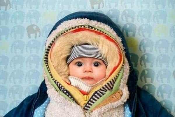 Excesso de agasalho nos bebês pode ser prejudicial.