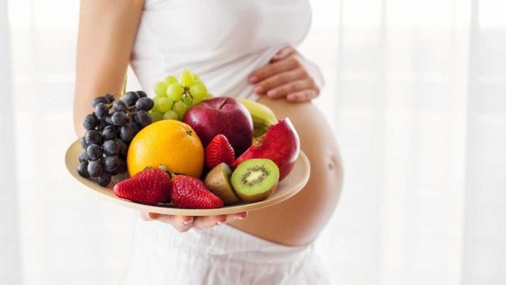 Grávidas que comem mais frutas têm bebês mais inteligentes.