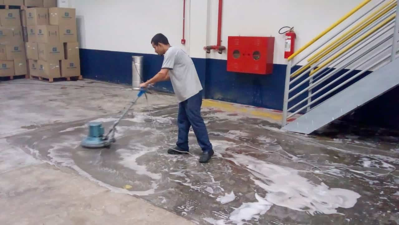 Limpeza automotizada