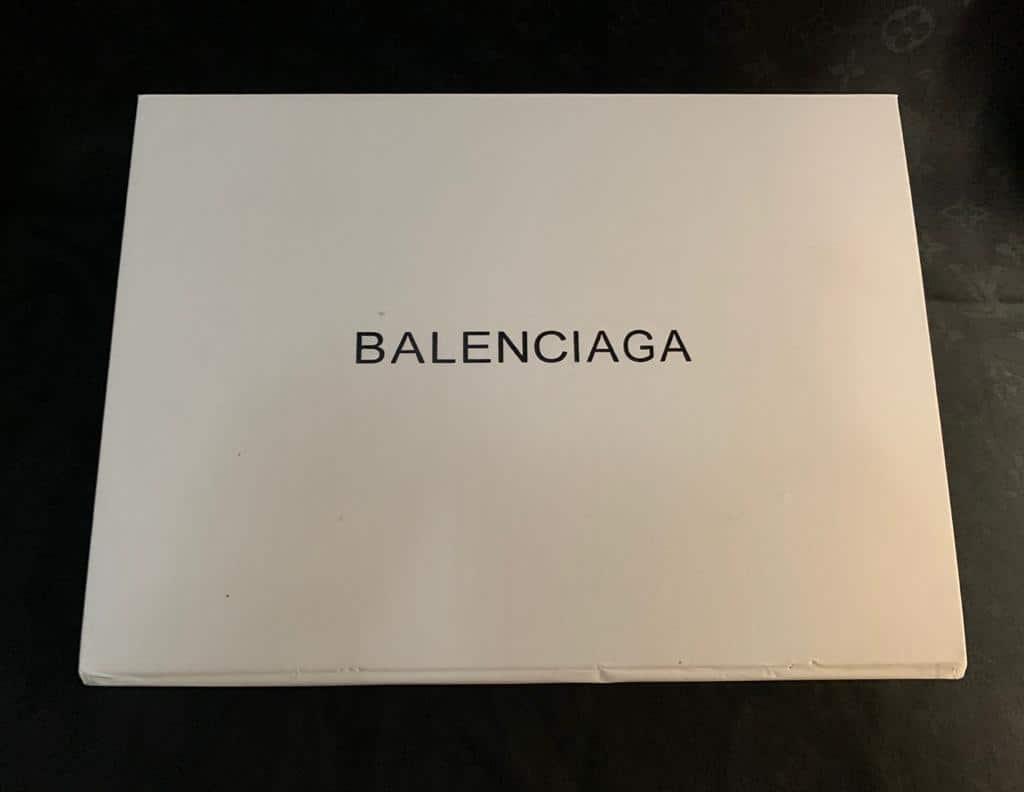 CAIXA BOLSA BALENCIAGA MEDIA (UNIDADE) - 490,00 10 X 49,00