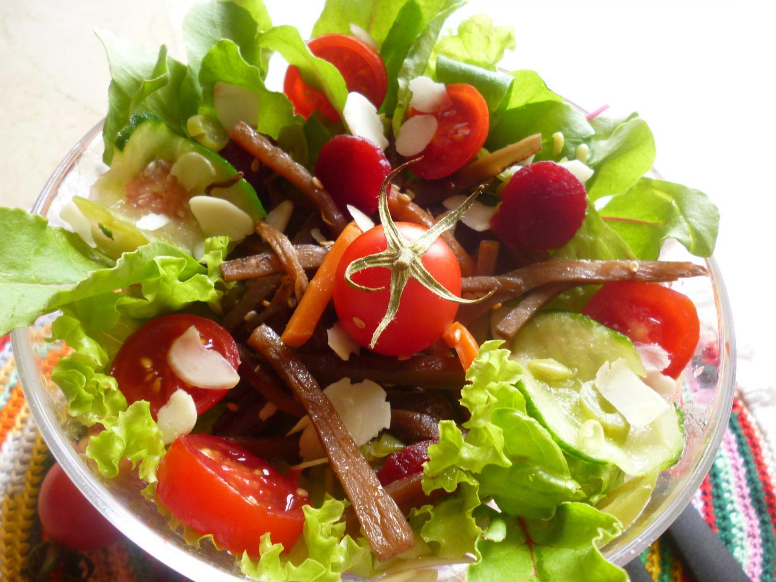 salada-com-bardana.jpg