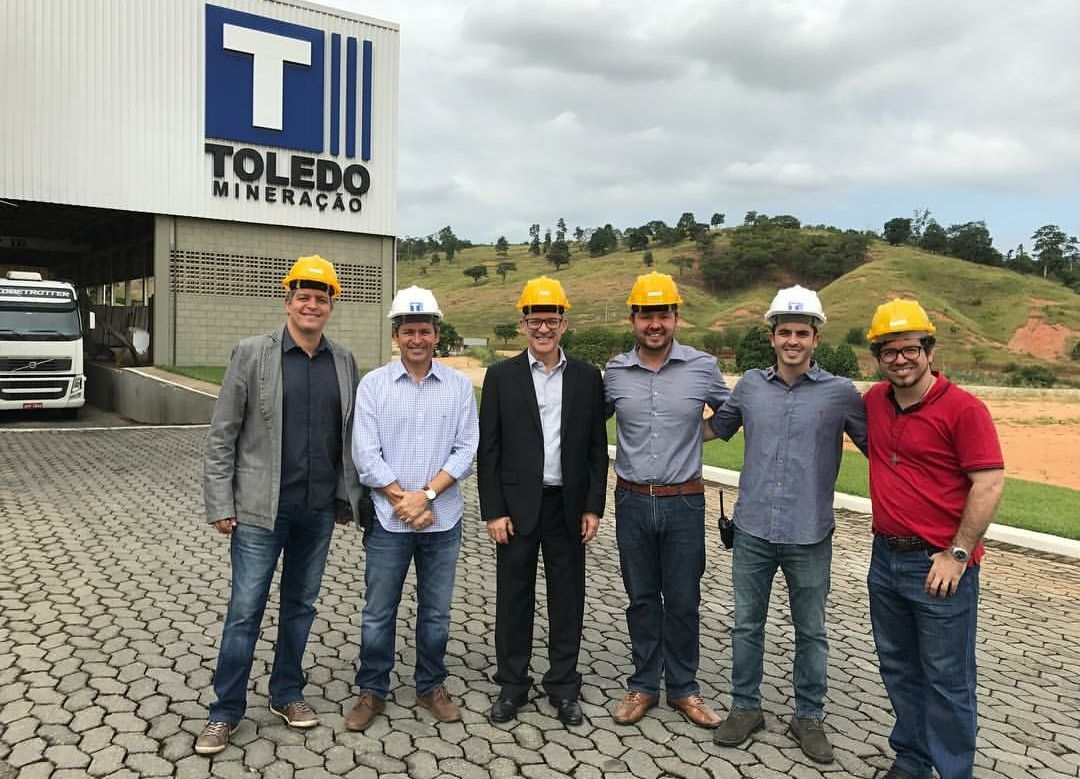 Deivson Vidal recebe na sede da Toledo Mineração os representantes do Projeto da Catedral Cristo Rei